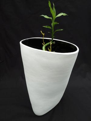 Twisted vase - Ceramic sculpture