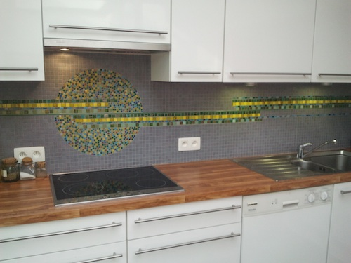 Een dosis kleur in de keuken – in mozaiek  Clayandmore