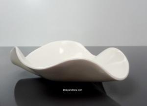 white porcelain bowl / dish